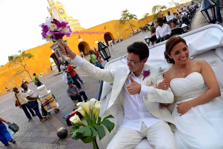 Mi Boda En Cartagena, paseo en coche_12