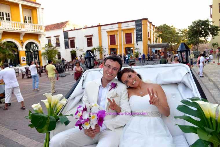 Mi Boda En Cartagena, paseo en coche_2