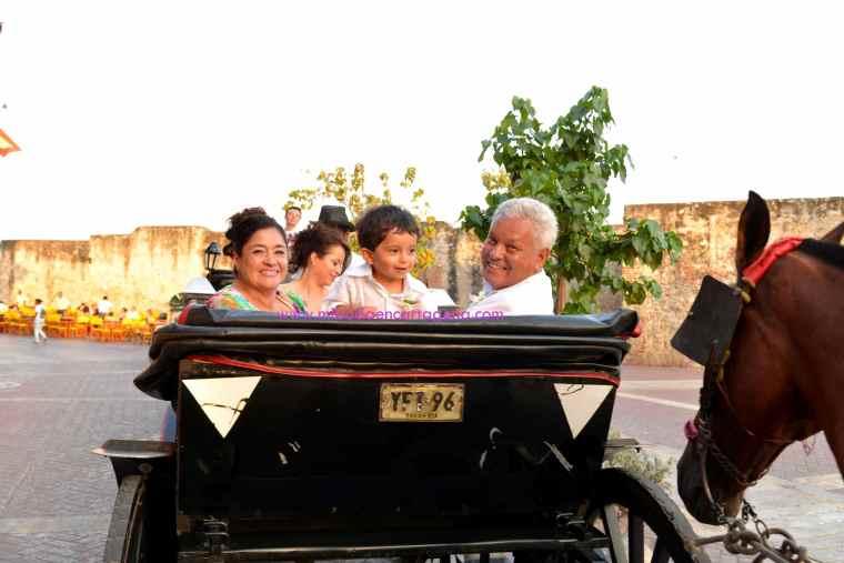 Mi Boda En Cartagena, paseo en coche_3