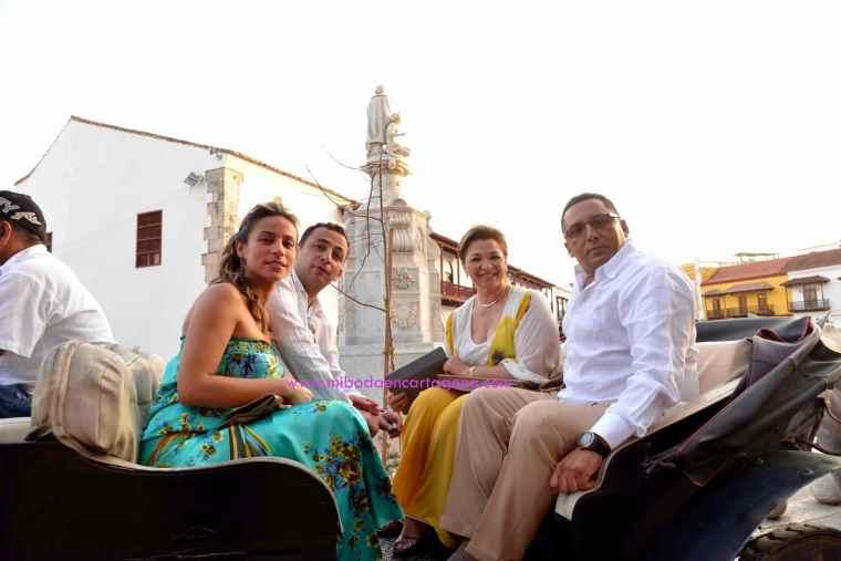 Mi Boda En Cartagena, paseo en coche_7
