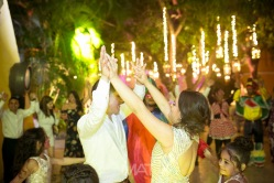 60-cartagena-wedding-reception-crazy hour