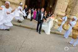22-cartagena-colombia-wedding-parade-musicians
