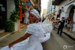 24-cartagena-colombia-wedding-parade-musicians
