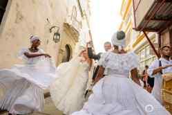 26-cartagena-colombia-wedding-parade-musicians