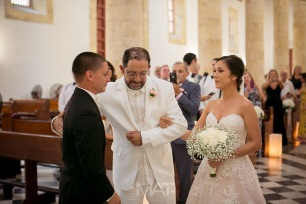13-cartagena-colombia-wedding-ceremony-catedral