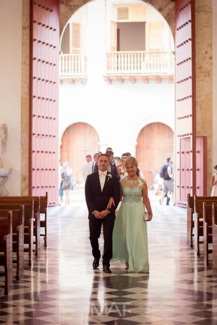 8-cartagena-colombia-wedding-ceremony-catedral